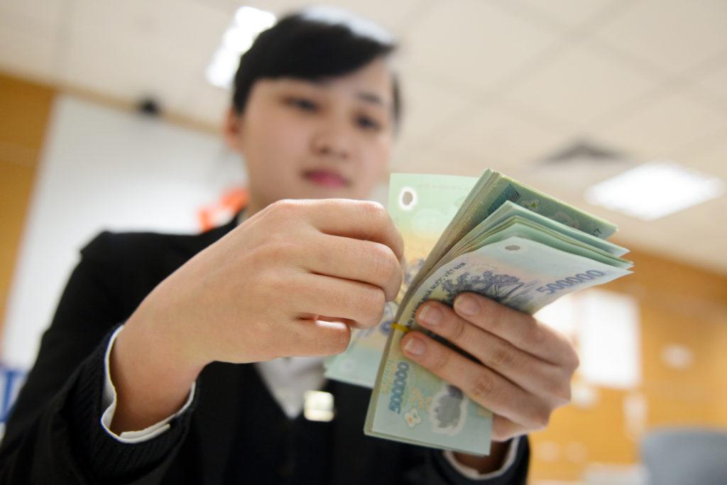 Lương ngành tài chính ngân hàng ở mức ổn định và khá cao