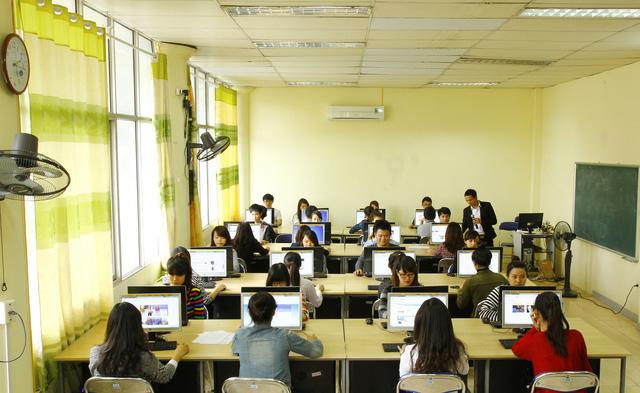 Tài chính ngân hàng là ngành học đang được nhiều sinh viên quan tâm trong những năm gần đây